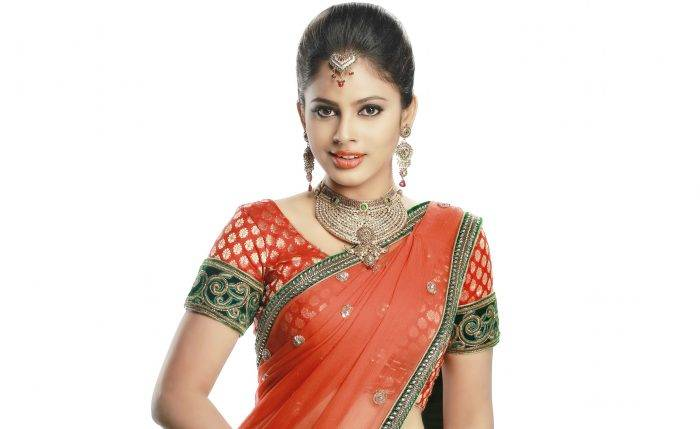 Nandita Swetha Lifestyle, Wiki, Net Worth, Income, Salary, House, Cars, Favorites, Affairs, Awards, Family, Facts & Biography