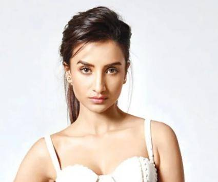 Patralekha Age, Height, Wiki, Biography, Husband, Family, Facts