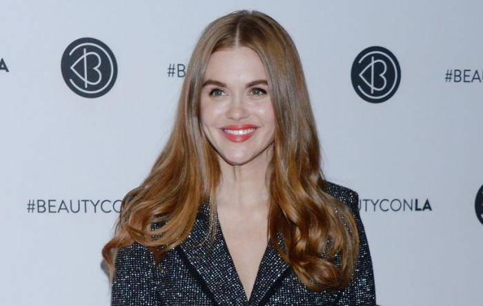 Holland Roden Lifestyle, Wiki, Net Worth, Income, Salary, House, Cars, Favorites, Affairs, Awards, Family, Facts & Biography