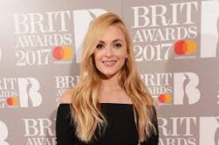 Fearne Wood is An English Television and Radio Presenter Height Weight Net Worth Body Measurements Bra Size Career Profile