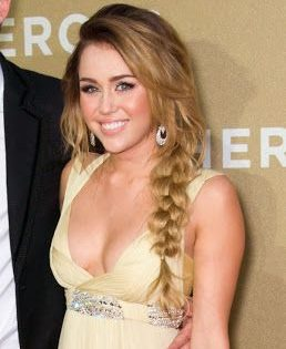 Miley Ray Cyrus Net Worth Relationship Profile Age Height Weight Boy Measurements Bra Size Shoe Size