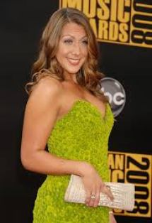 Colbie Caillat Colbie Marie Caillat is An American Singer Songwriter Guitarist Pianist Net Worth Career Profile Body Measurements Bra Size Relationships Favorite Things
