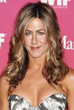 Jennifer Aniston Net Worth Relationship Profile Age Height Weight Body Measurements Bra Size Shoe Size