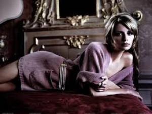 Mischa Anne Barton is A British-American Film Actress Fashion Model Net Worth Bra Size Height Weight Relationship