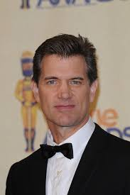 Chris Isaak Weight Height Eye Color Body Measurements Shoe Size Hair