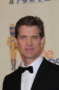 Chris Isaak Weight Height Shoe Size Hair Color Bra Size Figure