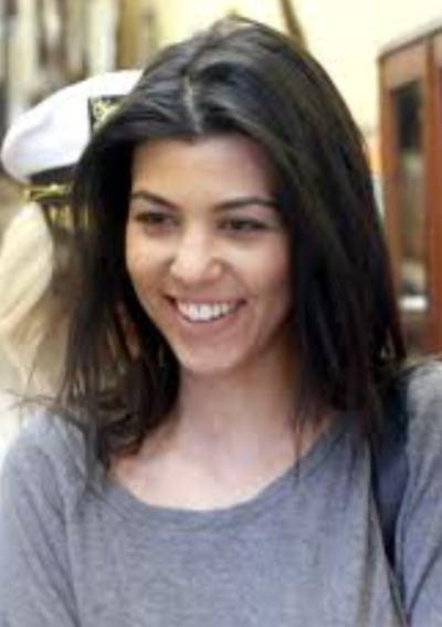 Kourtney Kardashian Without Makeup