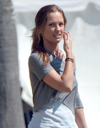 Minka Kelly No Makeup Pictures
