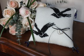 Magpie Ring Pillow