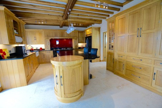 Feature Celfiderw Oakencraft Aran Kitchen