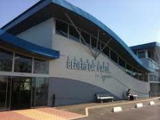 expat airport