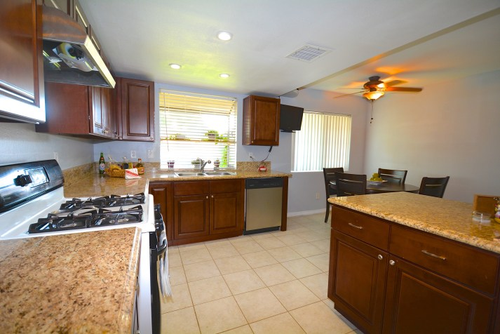 11545-Pampus-Dr-Jurupa+Valley-CA-91752-For-Sale-Ranch-Style-Sky-Country-Celina-Vazquez-909-697-0823-Kitchen-4
