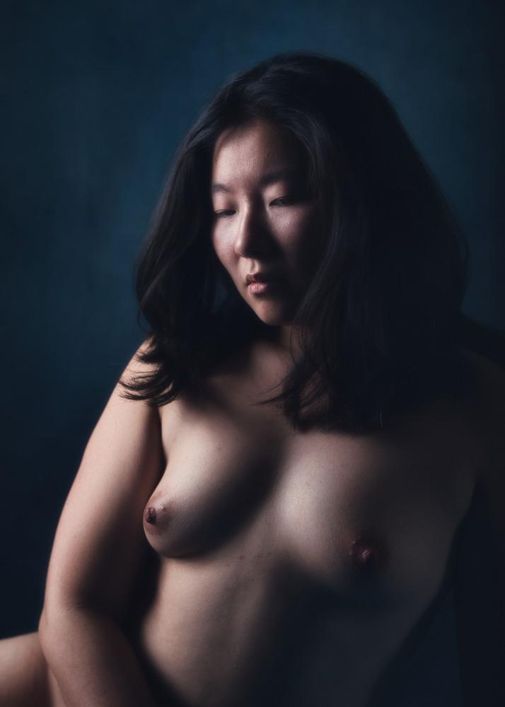 portrait en nu artistique femme asiatique