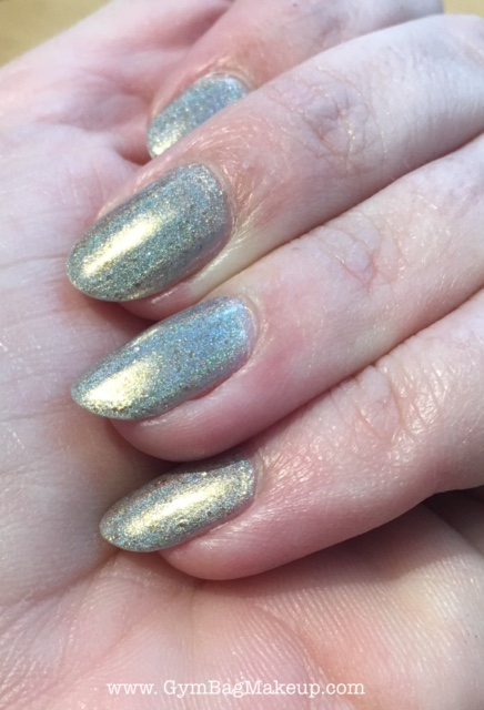 ilnp_cozy_mittens_nail_swatch_4