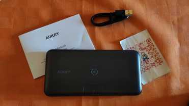 Aukey_powerbank_wireless_10000mah_cellicomsoft_00002