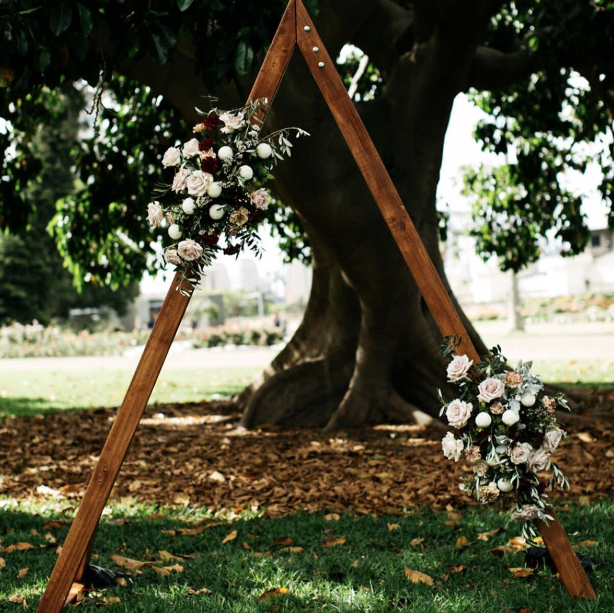 wedding-flowers-packages-sydney-price-ceremony-arch-flowers