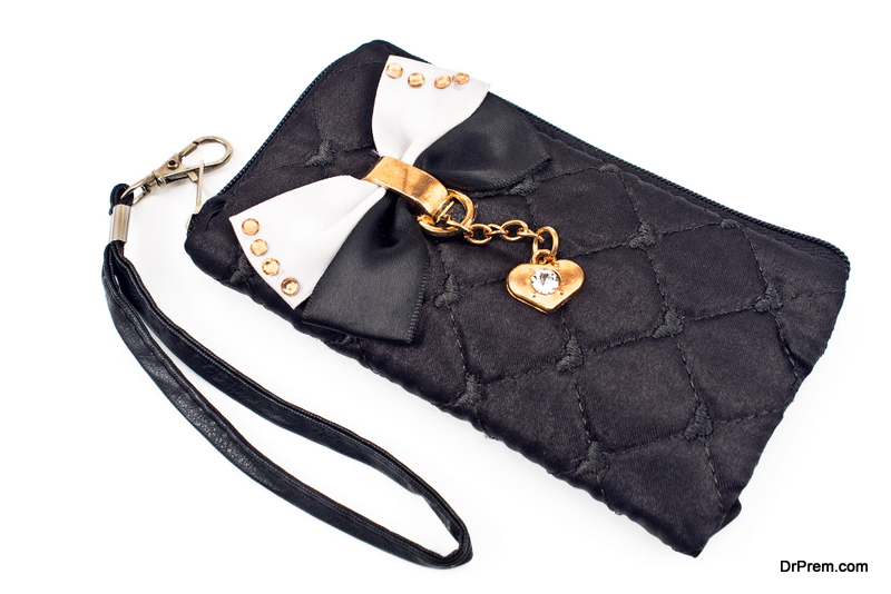 stylish-cellphone-pouches
