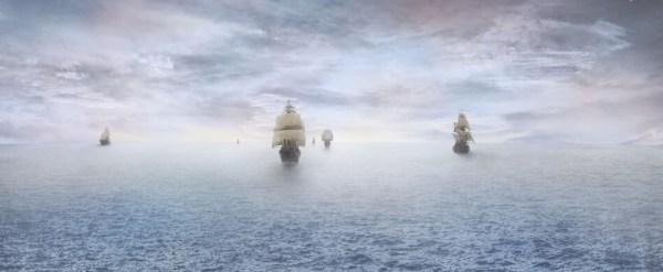 Son seis naves navegando en el mar azul