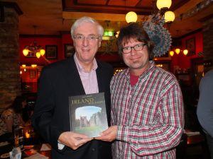 Rainer Thielmann + der irische Botschafter Michael Collins