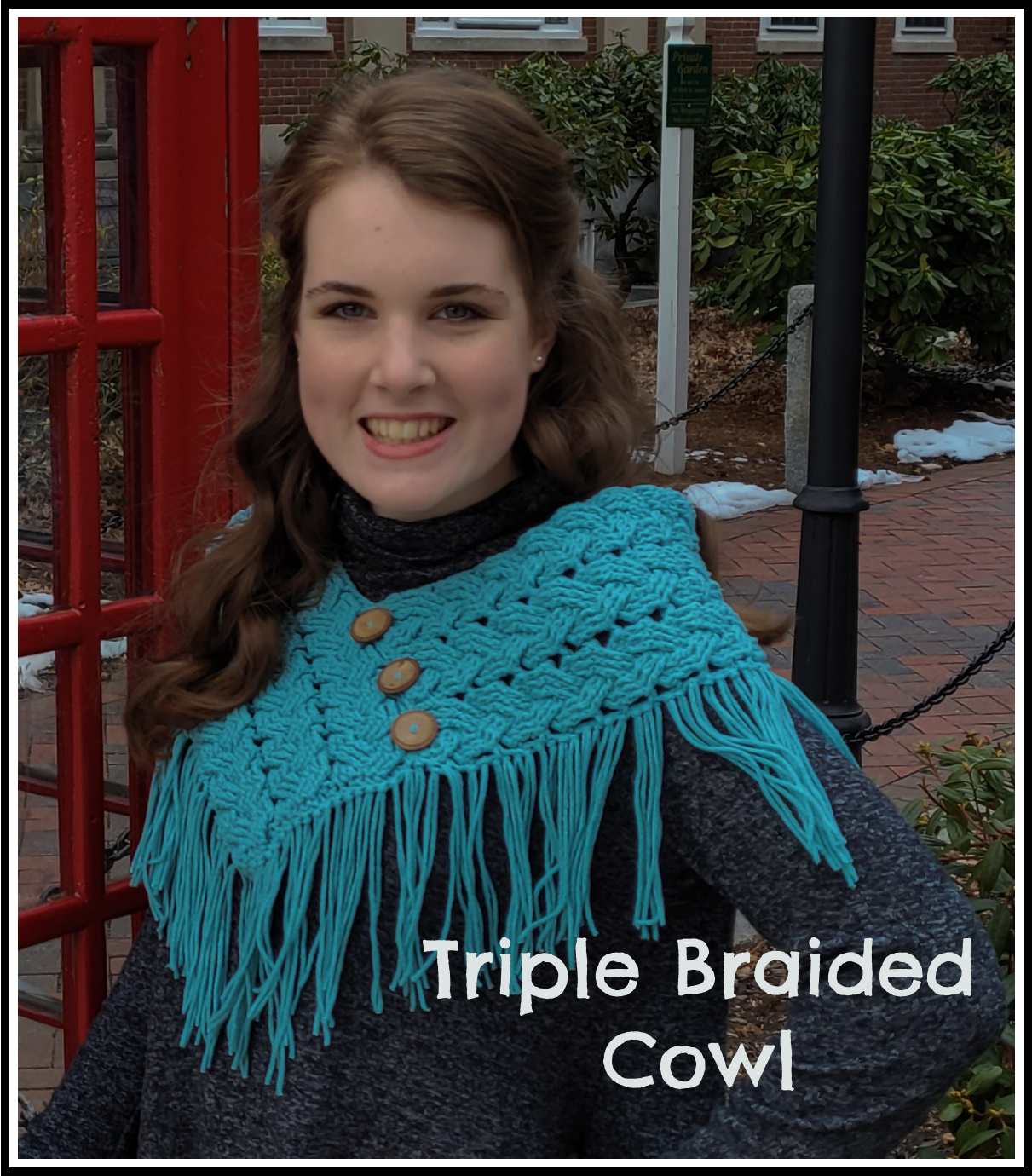 crocheted cowl with cables and fringe