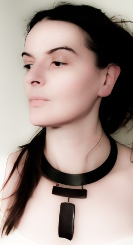 rosewood leather necklace 1e