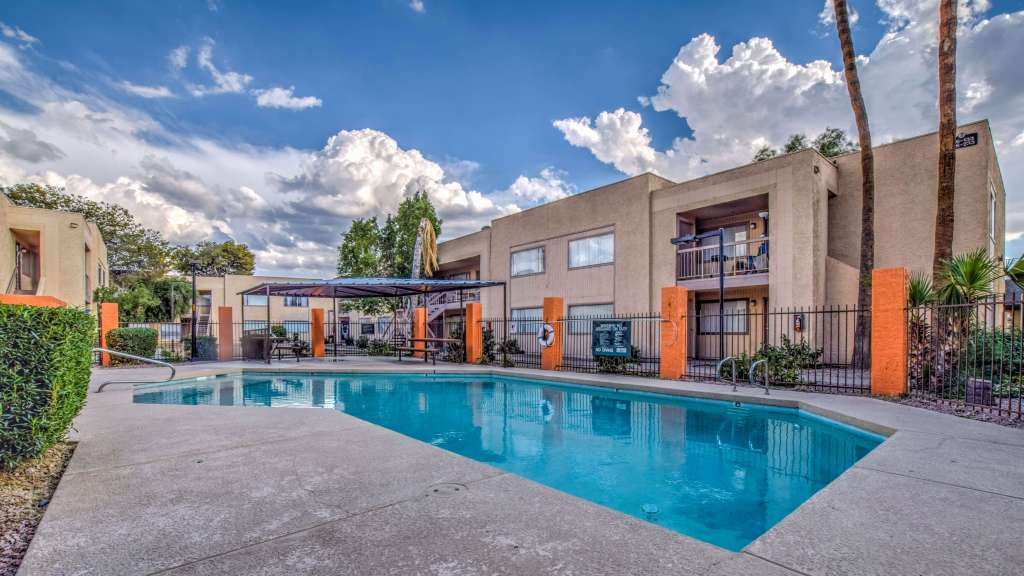 Orange Creek Apartments in Glendale, Ariz. Sell for $13.3 Million