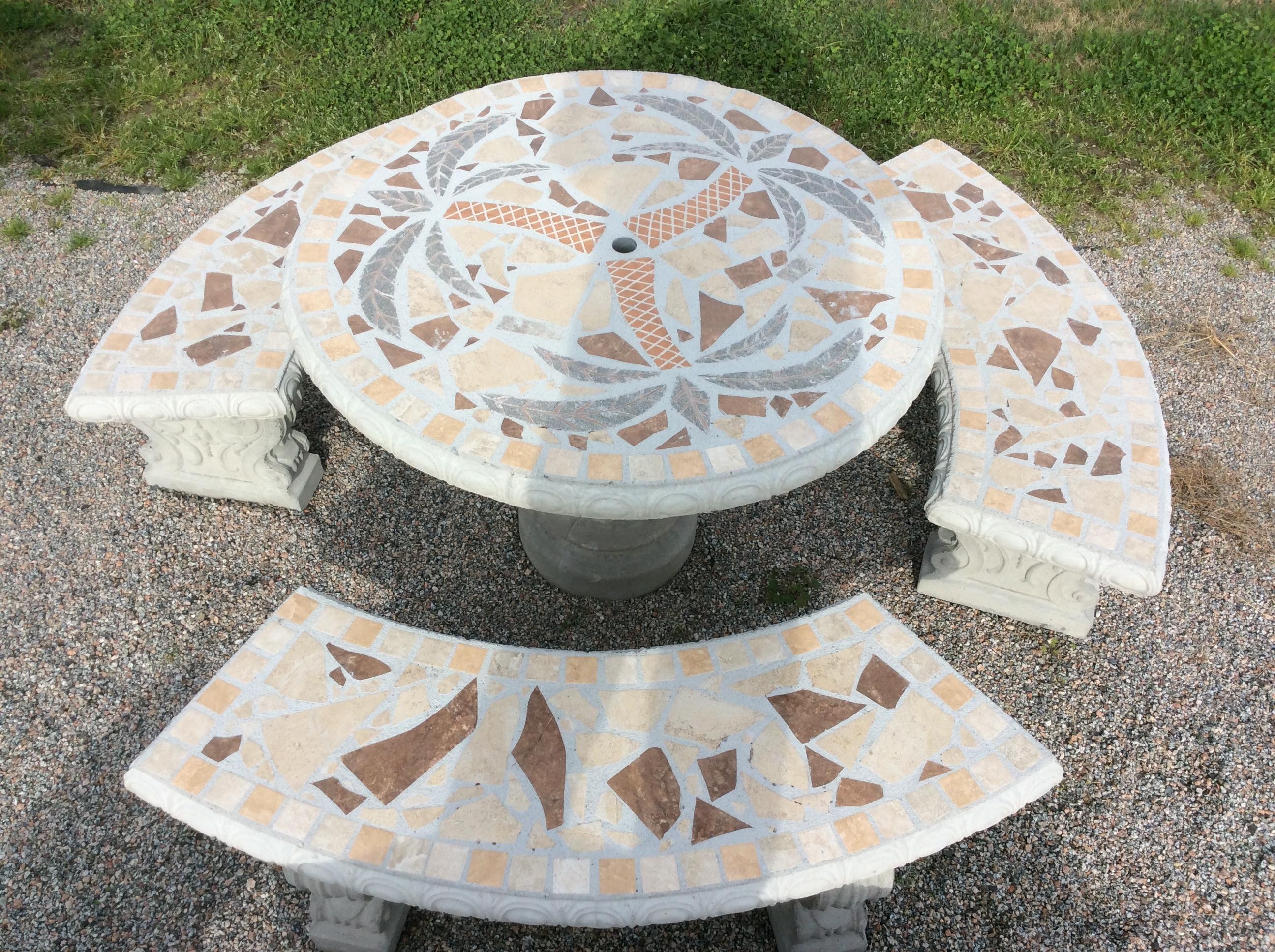 Palm Tree Mosaic Table Set