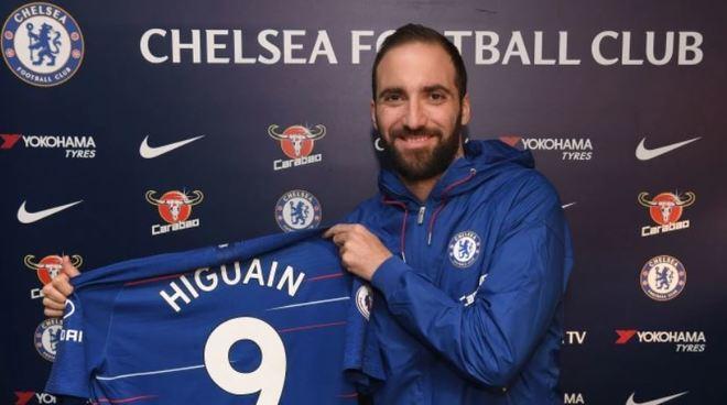 Chelsea telah meresmikan Higuain