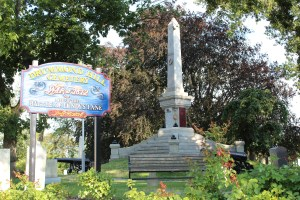 The battle monument at the top of Drummond Hill Cemetery