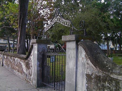 Huguenot gate