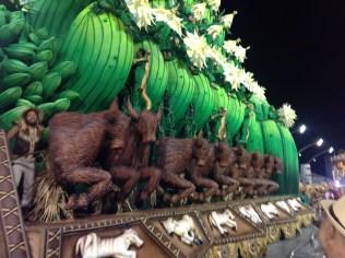 Segunda alegoria da Dragões da Real no Desfile das Campeãs (2017) - Foto de Cassius S. Abreu