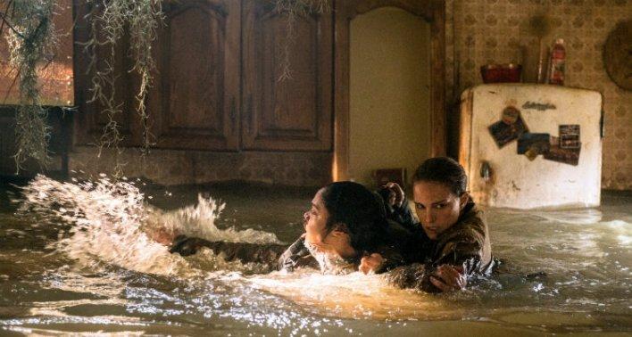 Tessa Thompson e Nicole Portman em Aniquilação (2018)