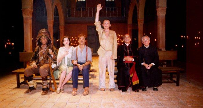 Marco Nanini, Denise Fraga, Diogo Vilela, Matheus Nachtergaele, Lima Duarte e Rogério Cardoso em O Auto da Compadecida (2000)