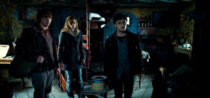 Daniel Radcliffe, Rupert Grint e Emma Watson em Harry Potter e as Relíquias da Morte: Parte 1