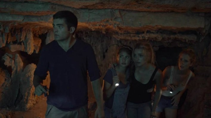 A Caverna (2017)