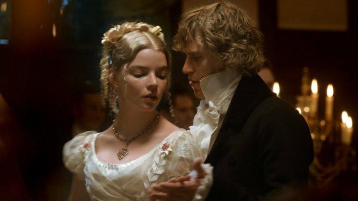 Anya Taylor-Joy e George Knightley em Emma. (2020)