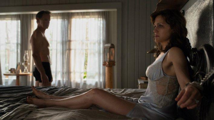 Carla Gugino e Bruce Greenwood em Jogo Perigoso