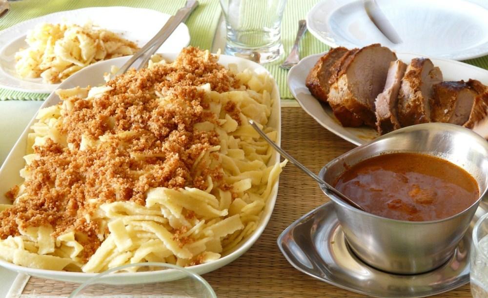 sunday-roast-spaetzle 54324_1280.jpg