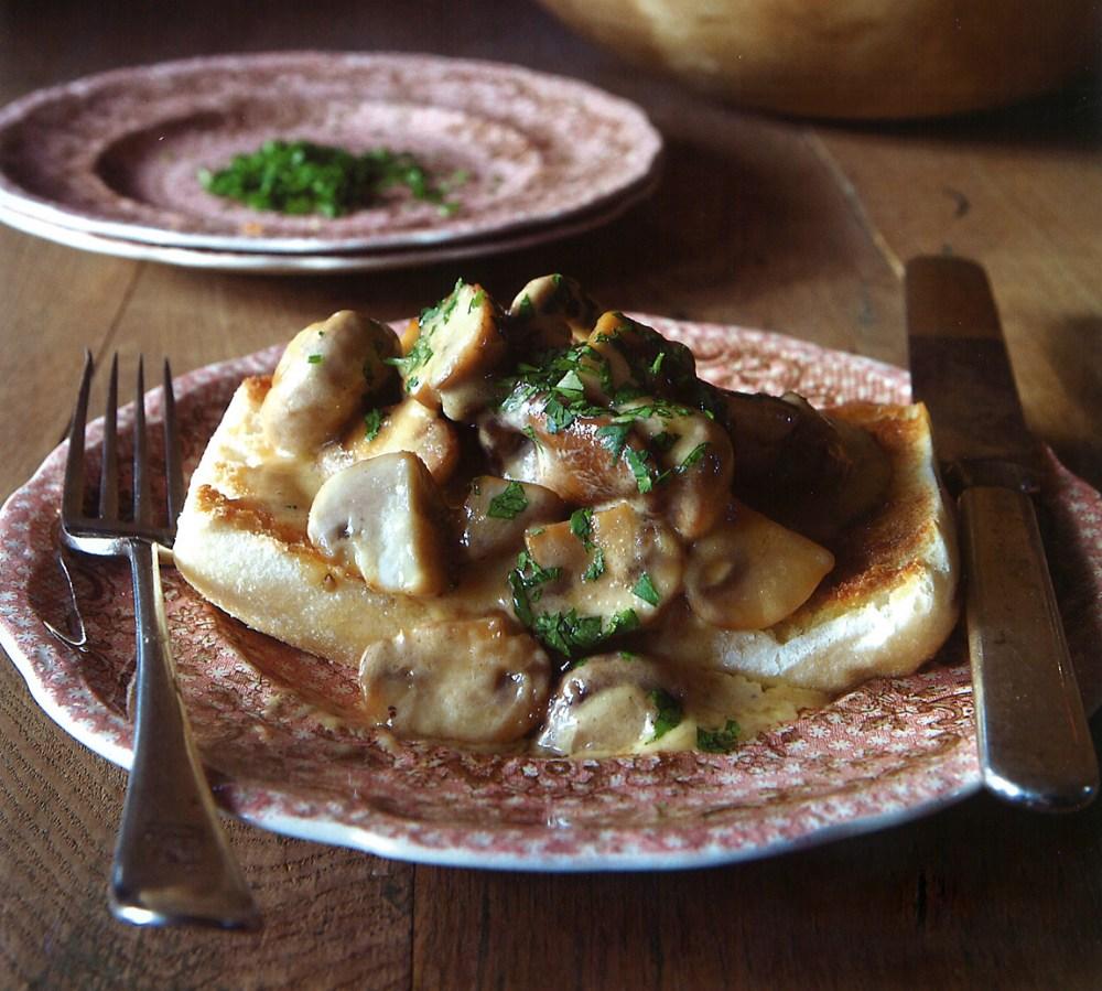 creamed-mushrooms-on-toast-recipe.jpg