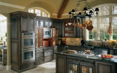 Painted Cabinets Vs. Stained Cabinets