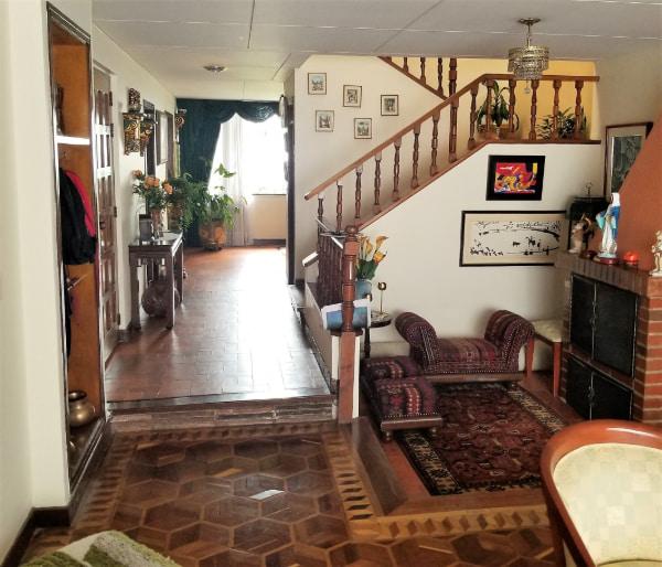 Zona social - venta casa en el barrio Malibú