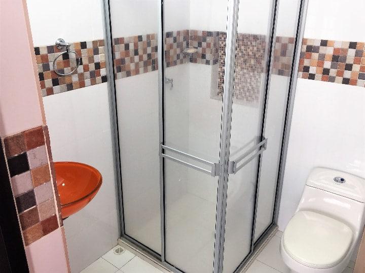 Venta casa en urbanización campestre en Girardot baño
