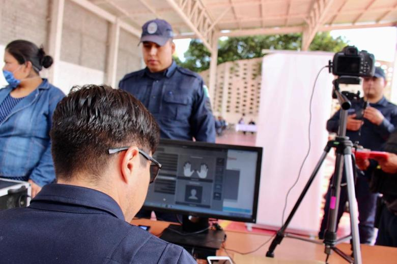 ENTREGA ORTIZ GUARNEROS UNIFORMES A POLICÍAS DE TETELA DEL VOLCÁN 04