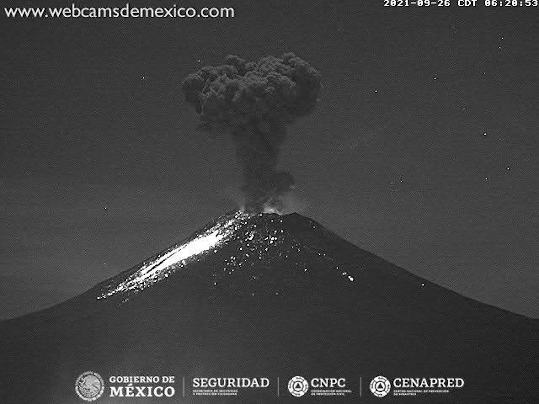 Volcán Popocatépetl registra una explosión y dos sismos