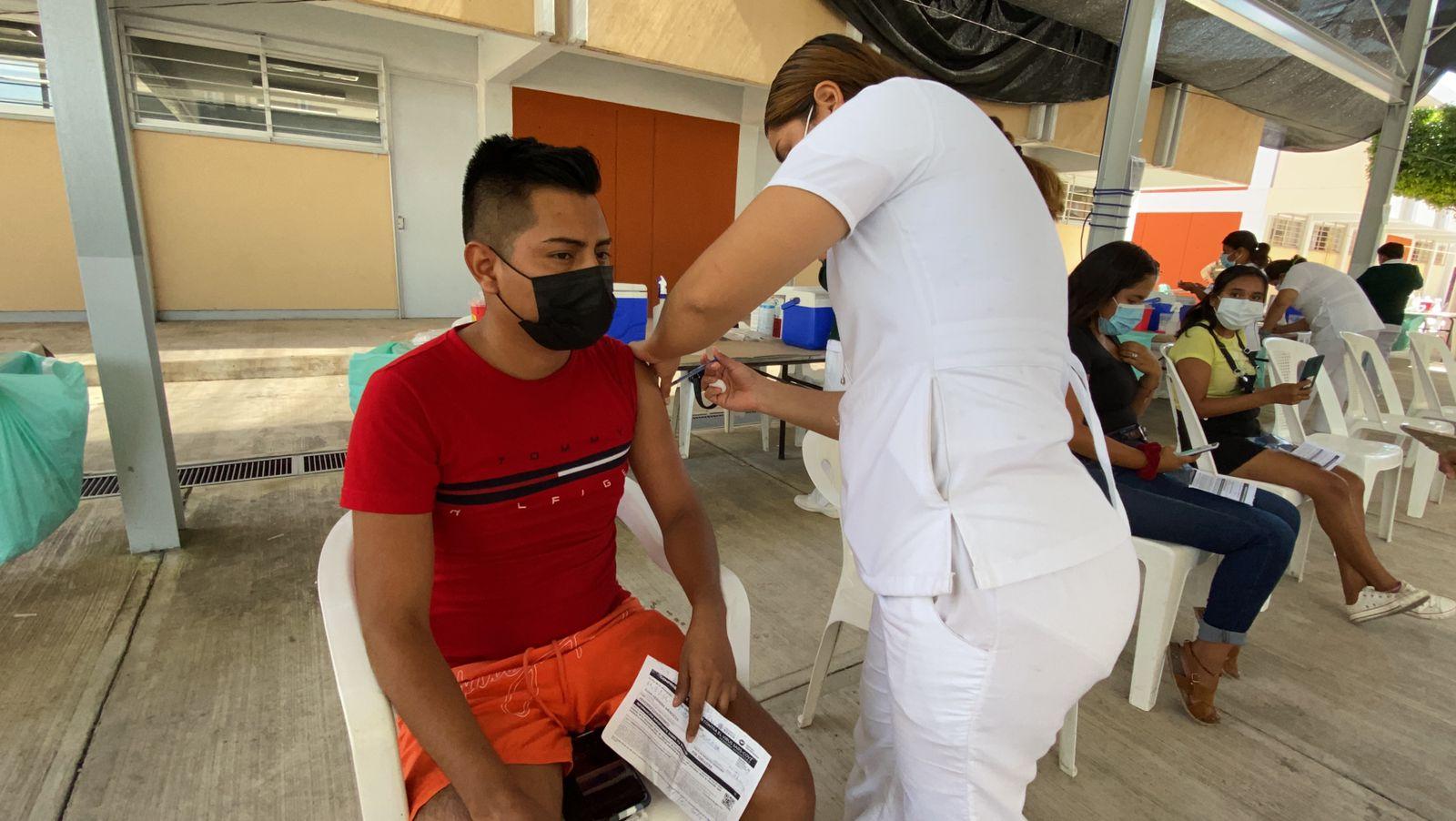 México aplica más de 106 millones de dosis de vacuna contra Covid-19