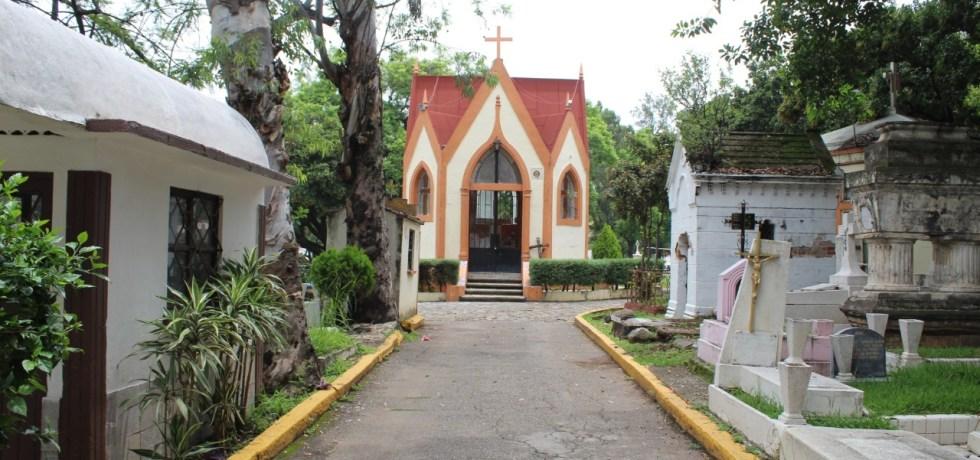 Panteones de Cuernavaca cerrados en Día de Muertos para prevenir contagios de Covid-19