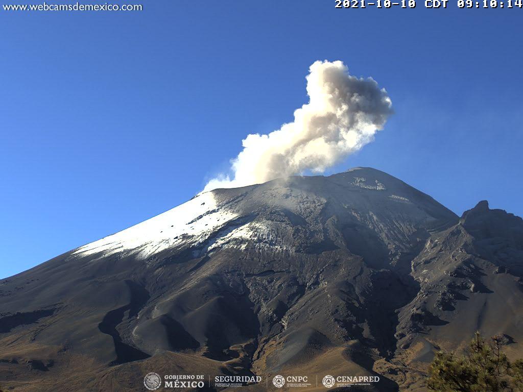 Suma Popocatépetl 106 exhalaciones en 24 horas