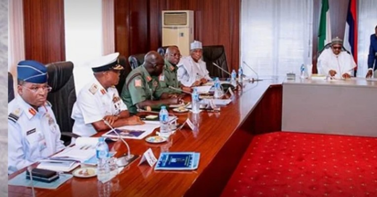 Buhari and security chiefs meets - News Blog in Nigeria