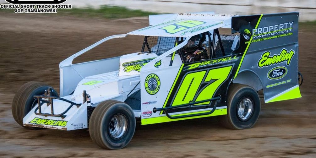 Outlaw Modifieds, Micro Sprints and a Mini Stock Special to