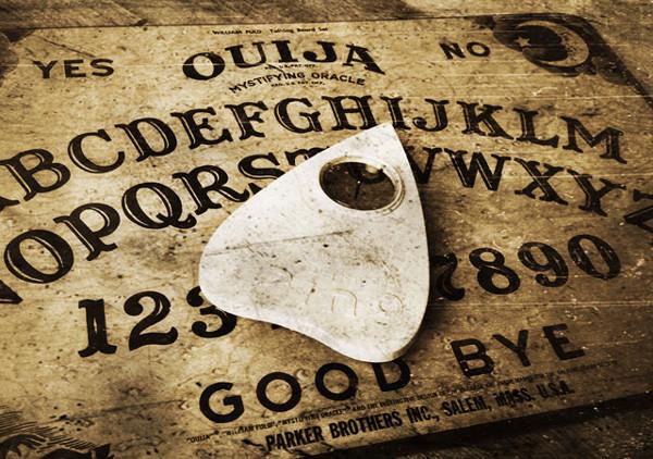 Como a Tábua Ouija se tornou um brinquedo para crianças